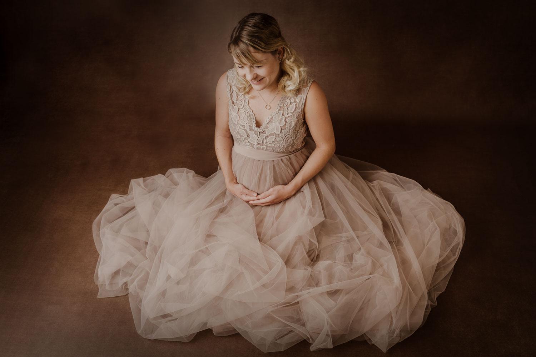 schwangerschaftsfotografie-babybauchfotografie-familienfotografie-korneuburg-wien_newbornatelier