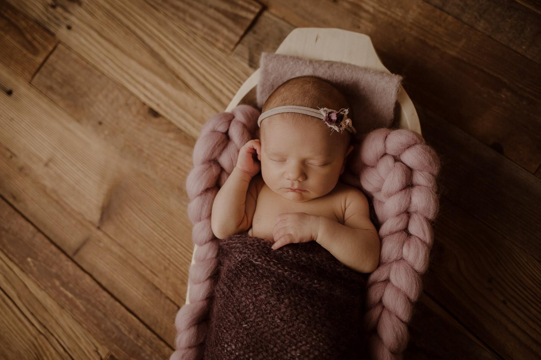 babyfotograf-neugeborenenfotografie-korneuburg-wien-familienfotograf-neugeborenenfotograf_newbornatelier_008